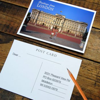London-Bobblehead-Postcard