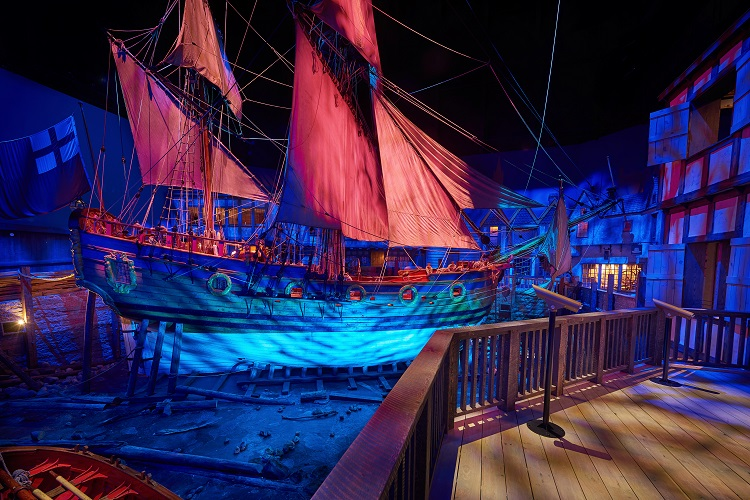 Smooth sailing for ColorSource fixtures at Manitoba Museum